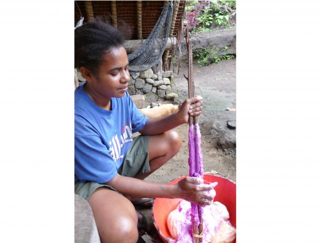 Confection d'un laplap d'ignames (Merelava, Vanuatu)