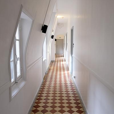 Maison de la recherche - Couloir du 2e étage (aile est)