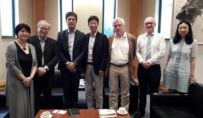 Hong Kong Baptist University, avec le Vice-Président International et des enseignants du Dpt of Government & International Studies.