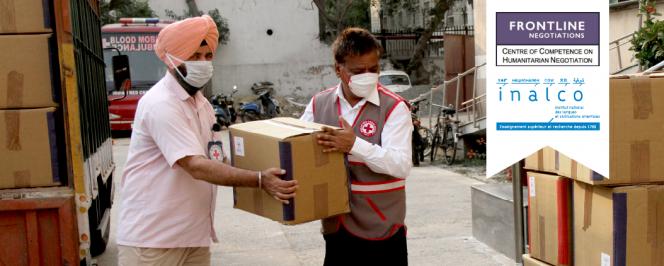 New Delhi. Dans le cadre de la lutte contre la pandémie COVID-19 et du soutien en matière d'équipement de protection individuelle, la délégation régionale du CICR distribue 1000 sacs mortuaires au siège national de la Croix-Rouge de l'Inde.