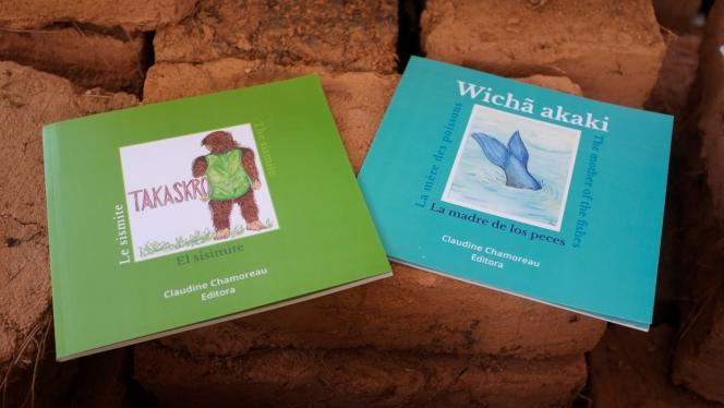 Les deux premiers livres publiés en pesh
