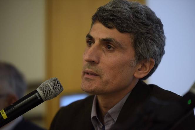 protrait de Ozcan Yilmaz lors d'un colloque