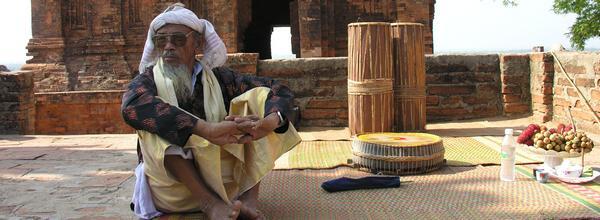 Cham brahmaniste du Centre Vietnam lors de la fête du Katé