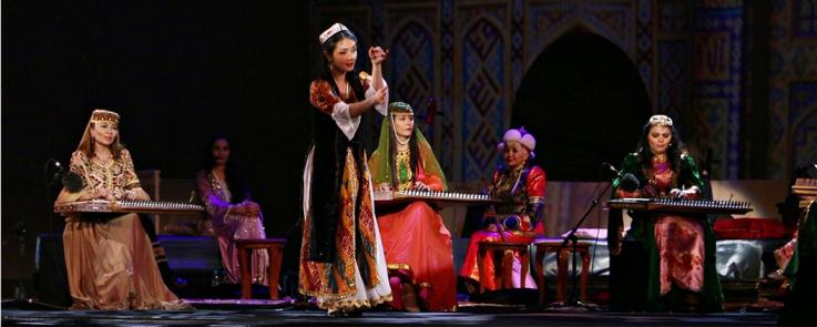 Danse ouïghoure (Festival des musiques sacrées du monde - Fès 2016)