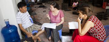 Enquête sociologique dans un atelier de fabrication d'objets en laque (Vietnam)
