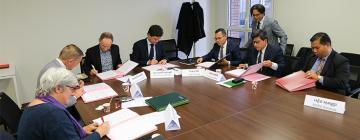 Signature des accords-cadres Manusastra et ChAS - Cambodge